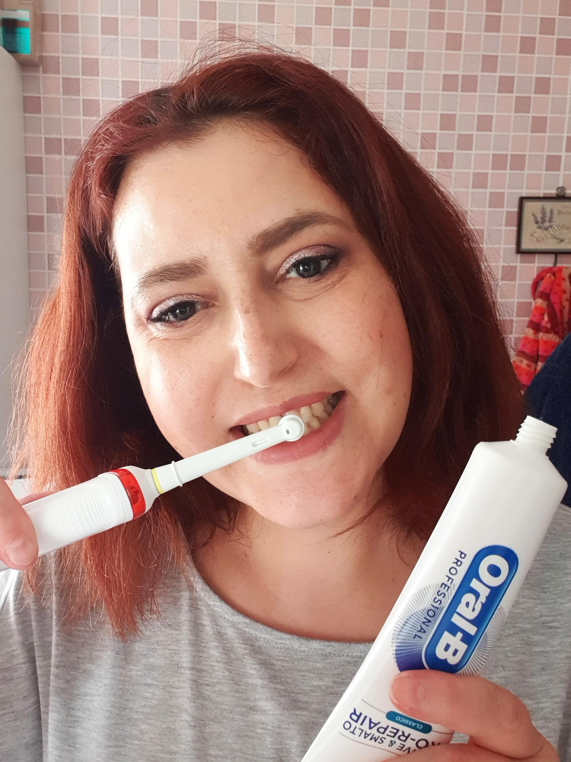 Un sorriso perfetto con Oral-B Professional Protezione Gengive 2